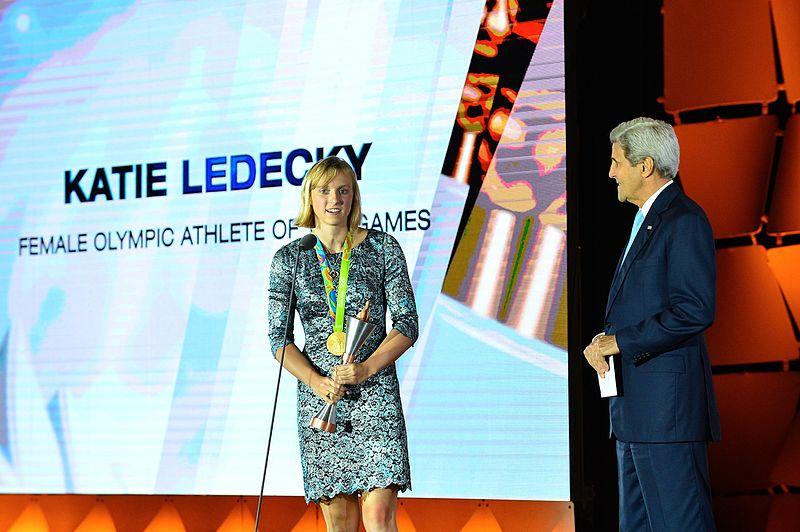 Katie_Ledecky_Accepts_her_Award_for__Female_Athlete_of_the_Olympic_Games__at_the_U.S._Olympic_Committee_Team_USA_Award_Show_in_Washington_(29379288743)