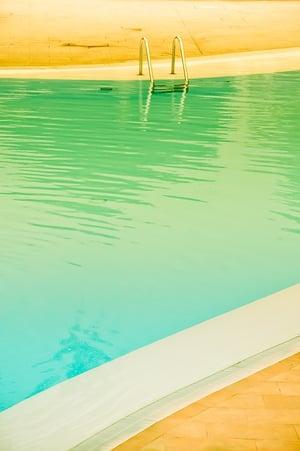pool-1900482_960_720