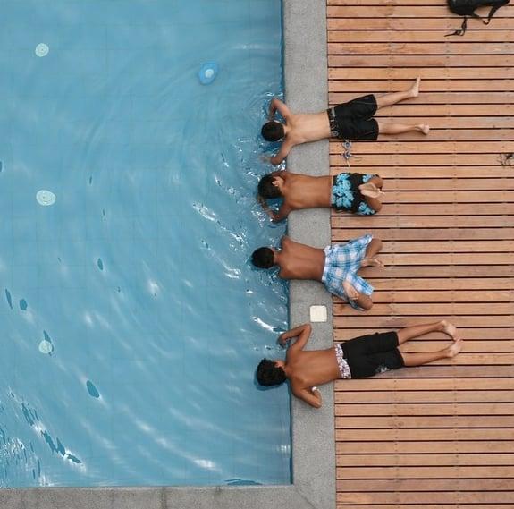 swimming-pool-1968427_960_720-346204-edited.jpg