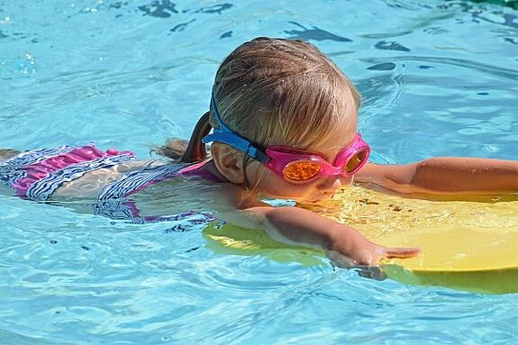 young-swimmer-2494906_960_720.jpg