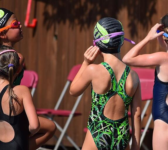 young-swimmers-2504974_960_720.jpg